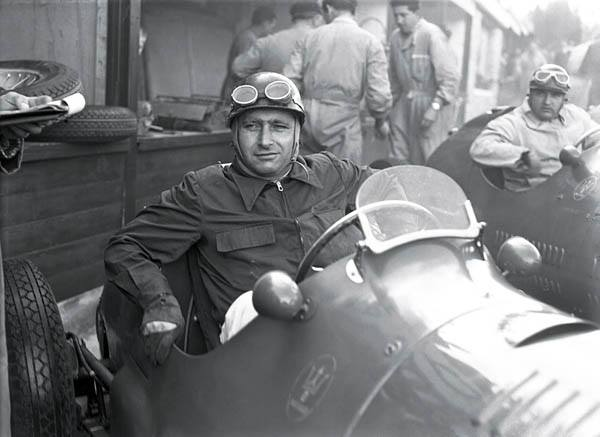 3 FANGIO 1953