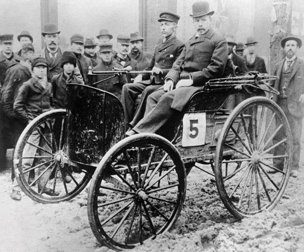 1 primera carrera en usa 1895