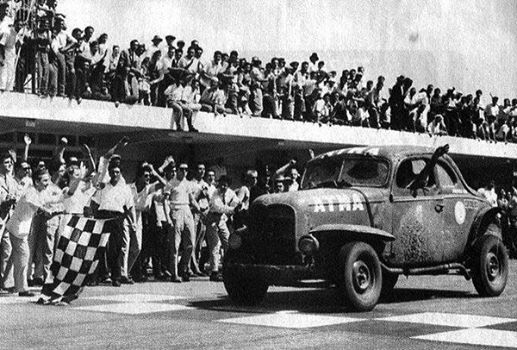 2 GALVEZ CAMPEON 1956